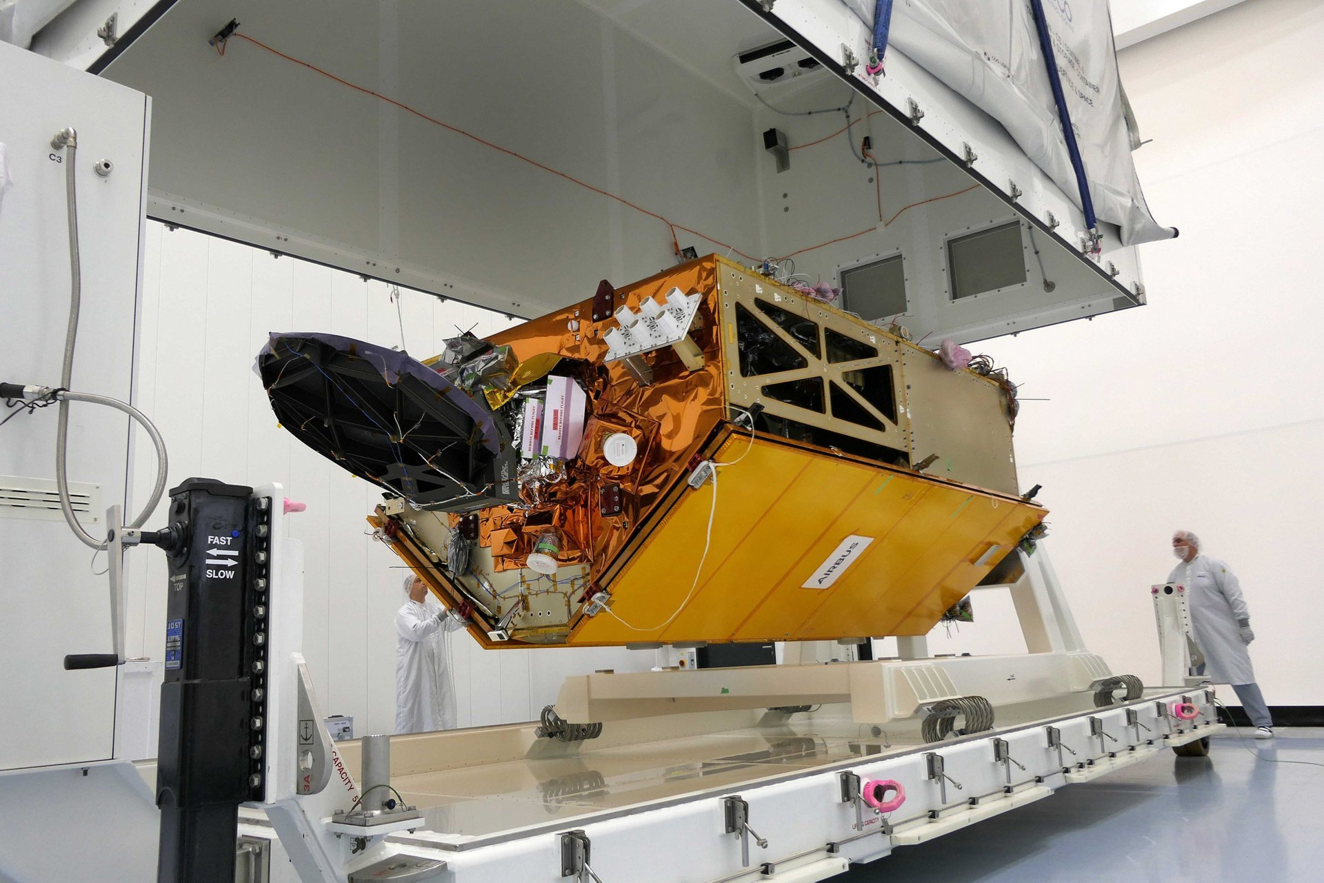 Sentinel-6A, built by Airbus (Friedrichshafen/Germany) will provide high accuracy altimetry for measuring global sea-surface height, primarily for operational oceanography and for climate studies. It is a cooperative mission developed in partnership between Europe (EU, ESA and EUMETSAT) and the U.S. (NOAA and NASA). It is planned for launch in 2020.
