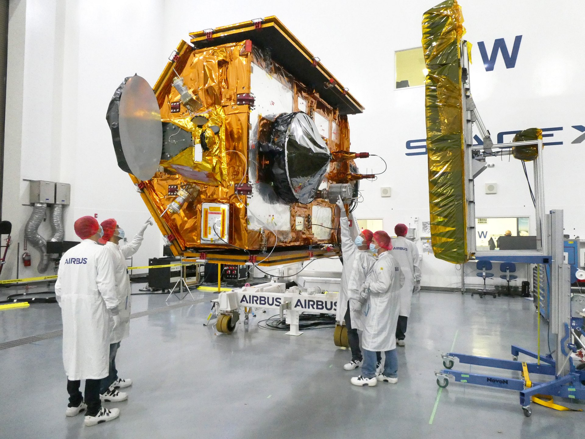 The satellite weighs approximately 1.5 tons. Now starting with Sentinel-6 Michael Freilich, the satellites will collect satellite-based measurements of the oceans' surfaces, continuing a task that first began in 1992. The second Sentinel-6 spacecraft is expected to follow in 2025.