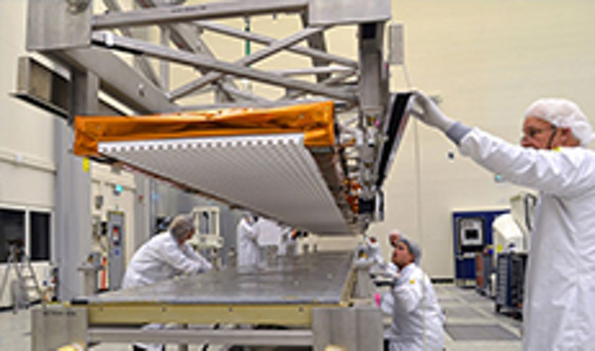 Sentinel-1B antenna readied for transport to meet its spacecraft