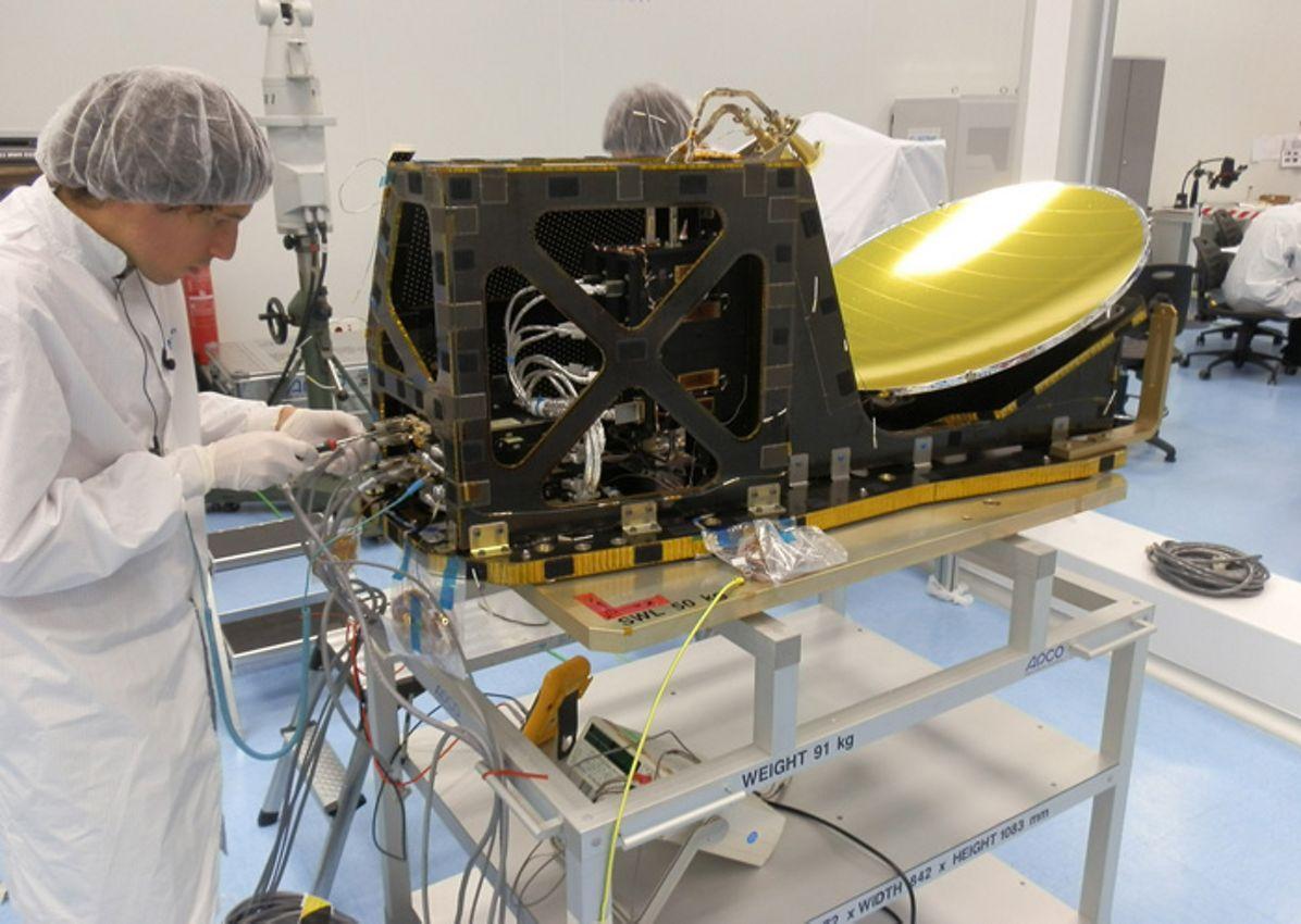 OLYMPUS DIGITAL CAMERA         , Sentinel-3 radiometric instrument