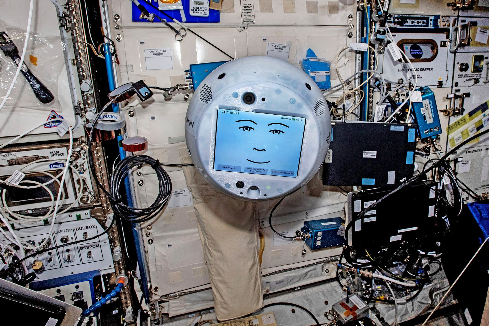 New tasks for the artificial astronaut assistant CIMON-2: The AI-controlled, flying sphere will take on scientific experiments on board the International Space Station ISS with ESA astronaut Matthias Maurer and provide educational services from orbit. CIMON-2 is already on board the ISS and Matthias Maurer is scheduled to launch with 'Crew-3' on his 'Cosmic Kiss' mission this autumn. The space agency DLR and Airbus have signed a mission contract to provide 'in-orbit' missions with four human partners.