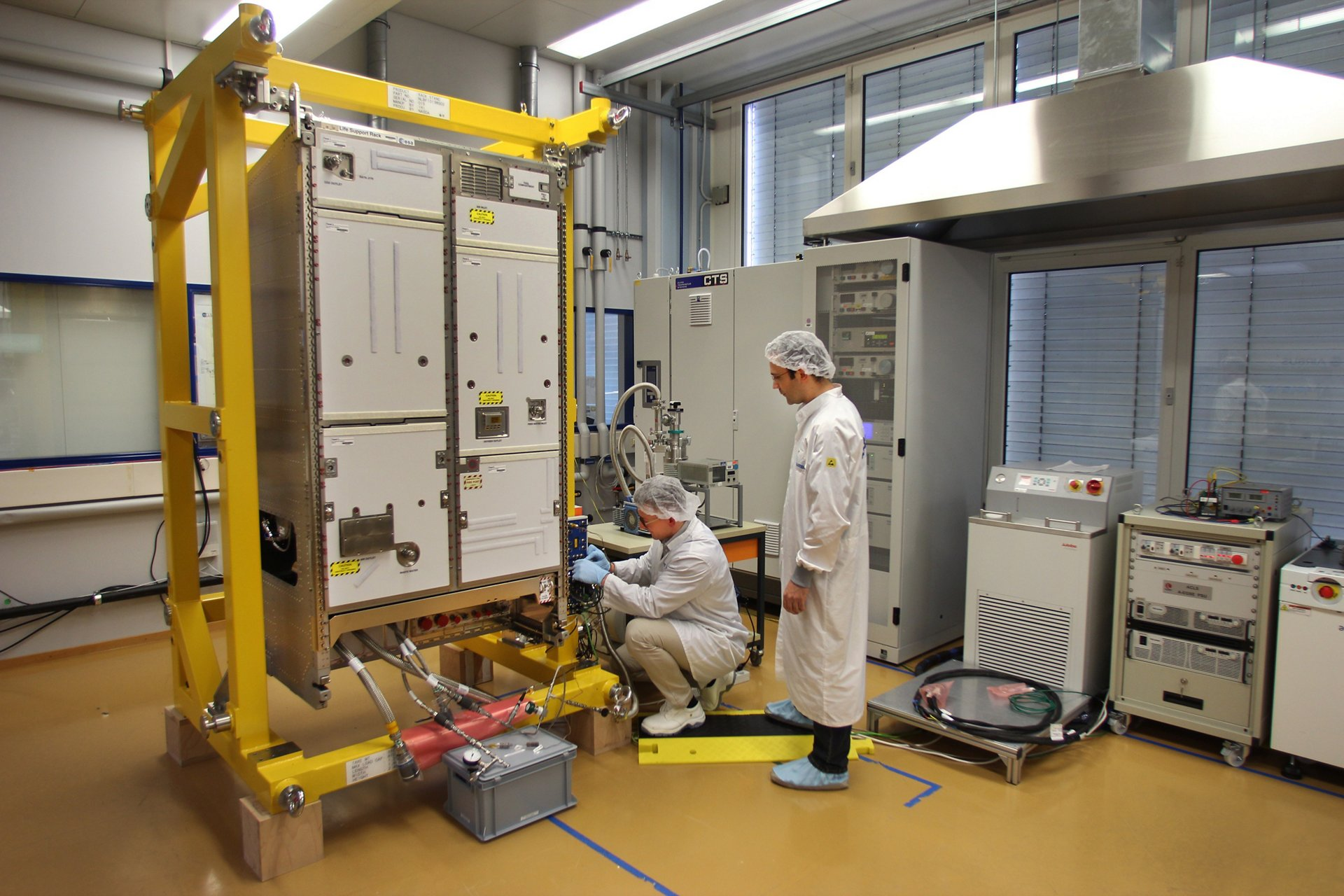Airbus delivers new life support system for the ISS