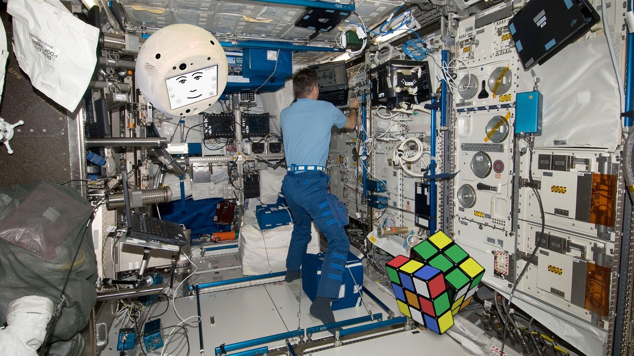 One of CIMON´s exercises on the International Space Station ISS will involve a Rubik´s Cube.