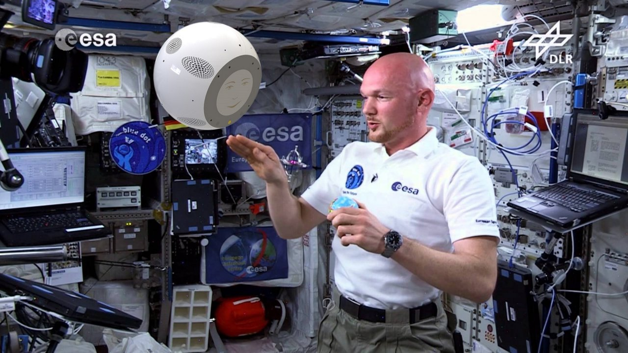 ESA astronaut Alexander Gerst and the CIMON assistance system, which Airbus is developing as contracted by the German Aerospace Center (DLR).