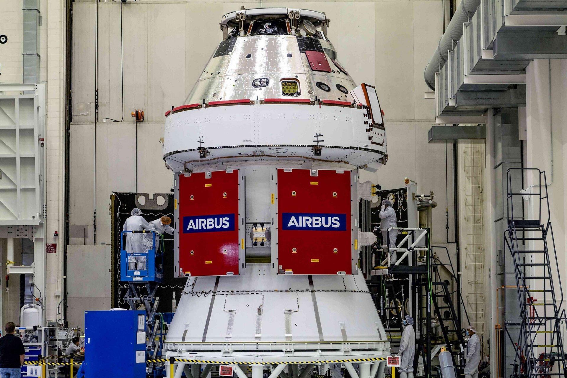 NASA Orion spacecraft with the first Airbus-built European Service Module (ESM-1) integrated at NASA. © NASA-Radislav-Sinyak
