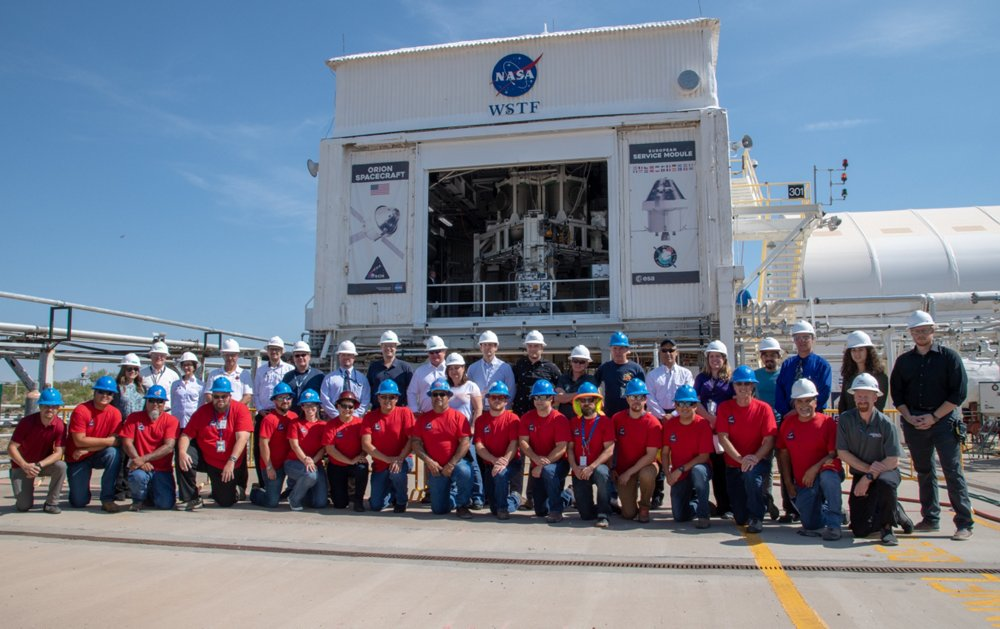 The Orion PQM test team of NASA, ESA and Airbus
