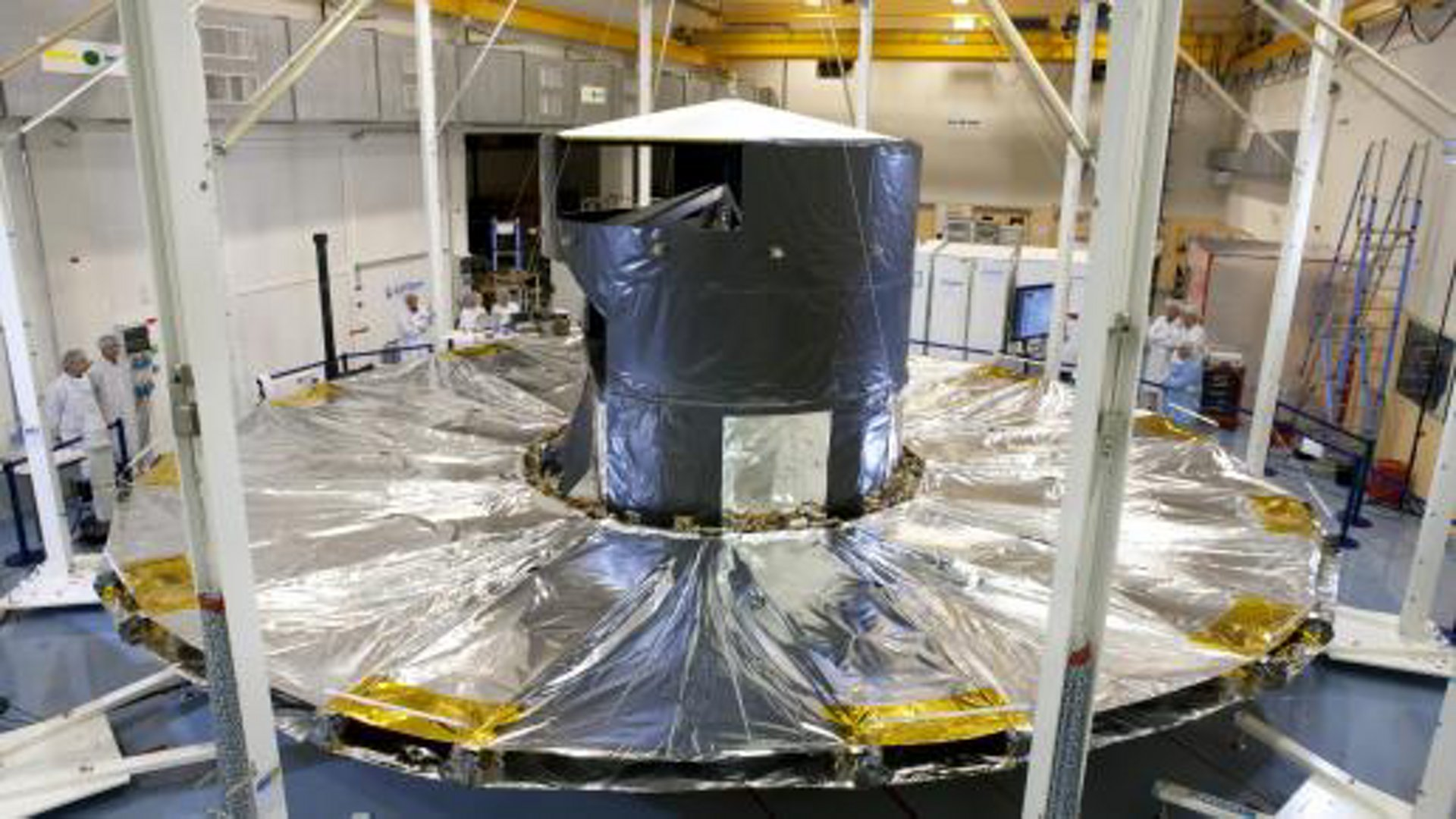 Deployment test of the Gaia sunshield array