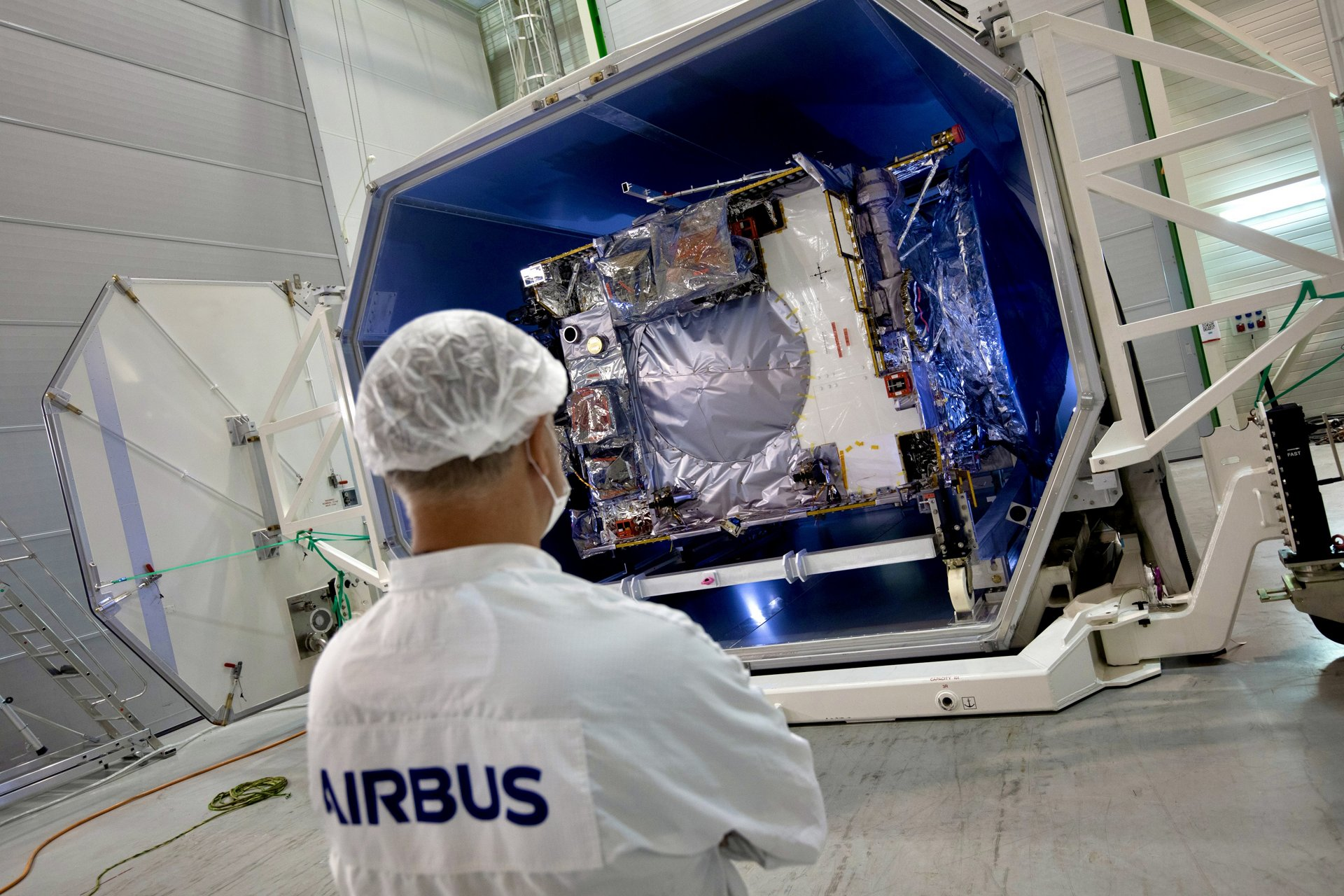 The Airbus-built JUICE spacecraft, (JUpiter ICy moons Explorer mission) developed for the European Space Agency (ESA)  has arrived in Toulouse, where it will stay for its final assembly and test campaign at Airbus' satellite integration centre, before being shipped to Kourou in French Guiana for launch on Ariane 5.