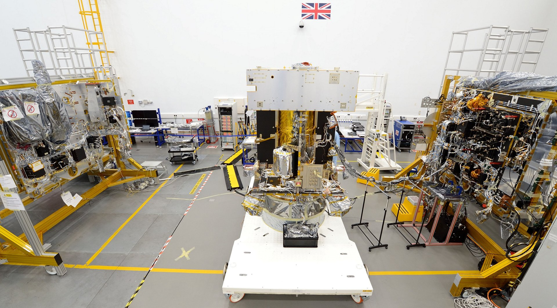 Airbus' Solar Orbiter in the final stages of integration in Stevenage, UK, and ready for full system electrical testing. By next eclipse it will be en route to its close-up encounter with our sun!
