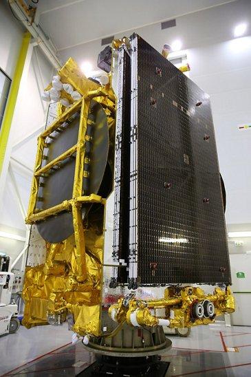 Eutelsat 172B 002