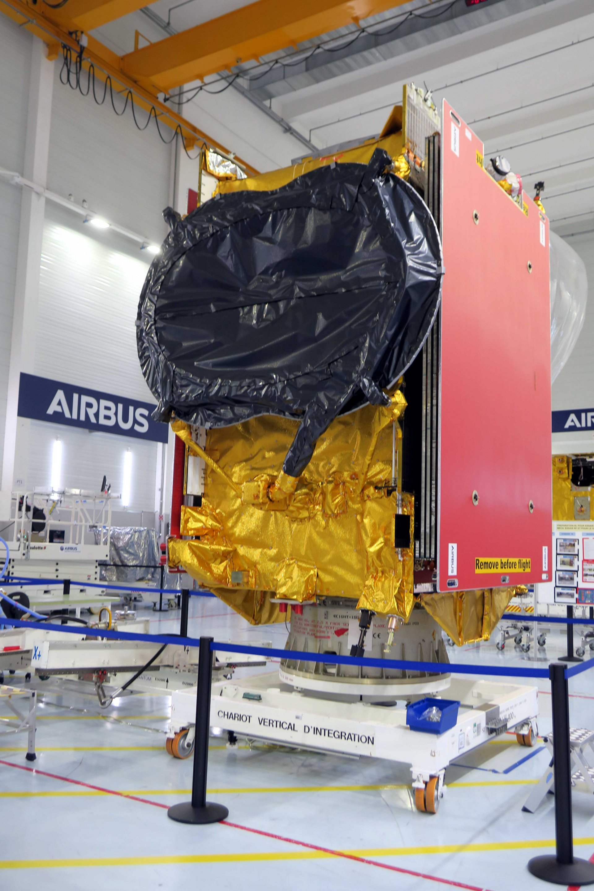 The EUTELSAT QUANTUM satellite is a revolutionary step forward for commercial satellites, offering very high customisation and flexibility. It will supply services with unprecedented in-orbit reconfigurability in coverage, frequency and power, allowing complete mission rehaul, at any orbital position.