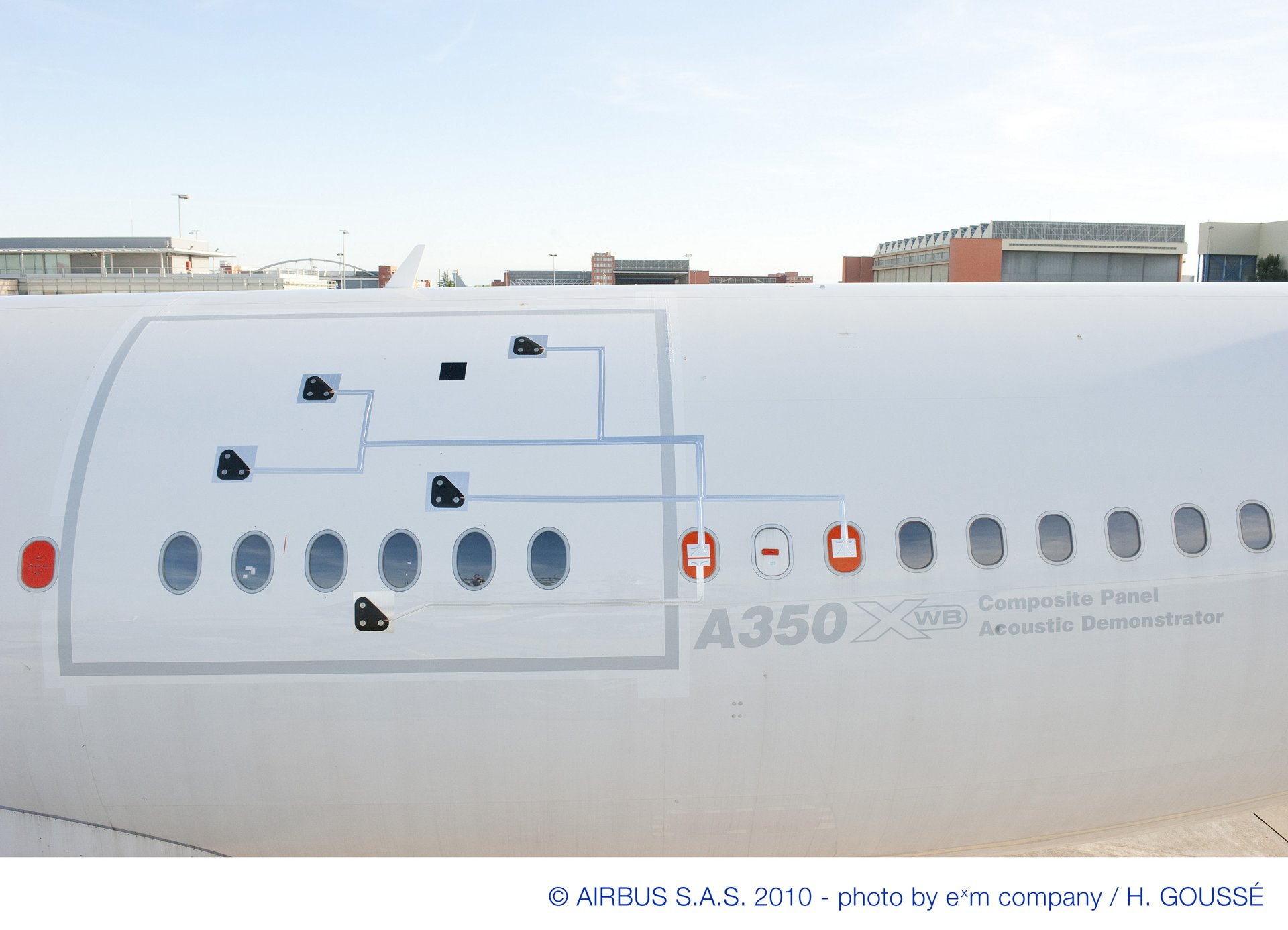 A350 Acoustic Demonstrator CFRP panel