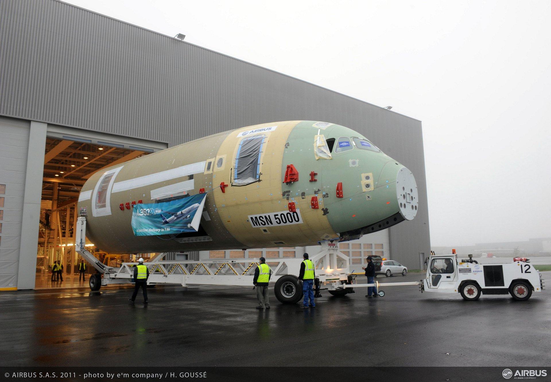A350 XWB arrives in TLS FAL6