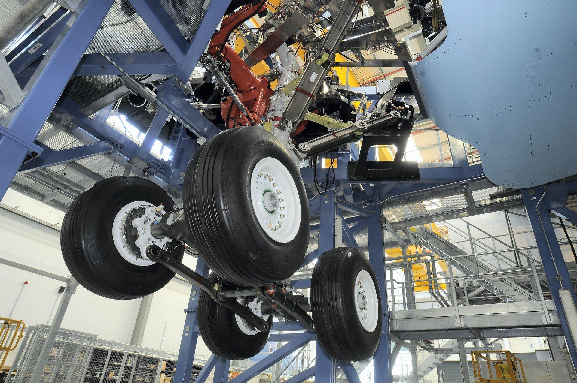 A350 XWB landing gear bench entry into service