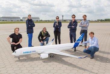 A350 XWB scale model first flight 5