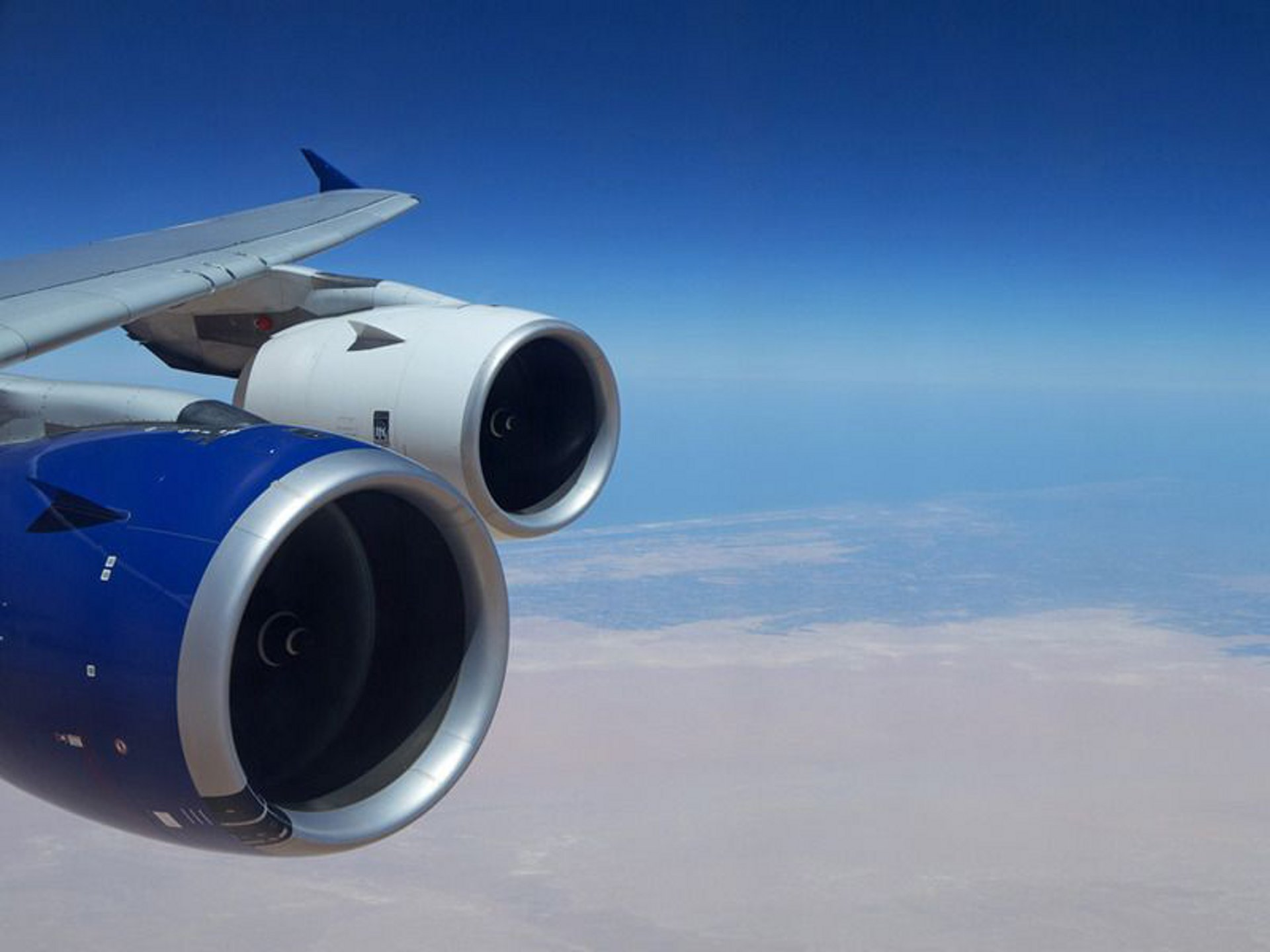 "The Trent XWB engine demonstrated its maturity during ""hot"" tests conducted during August 2012 in the United Arab Emirates"