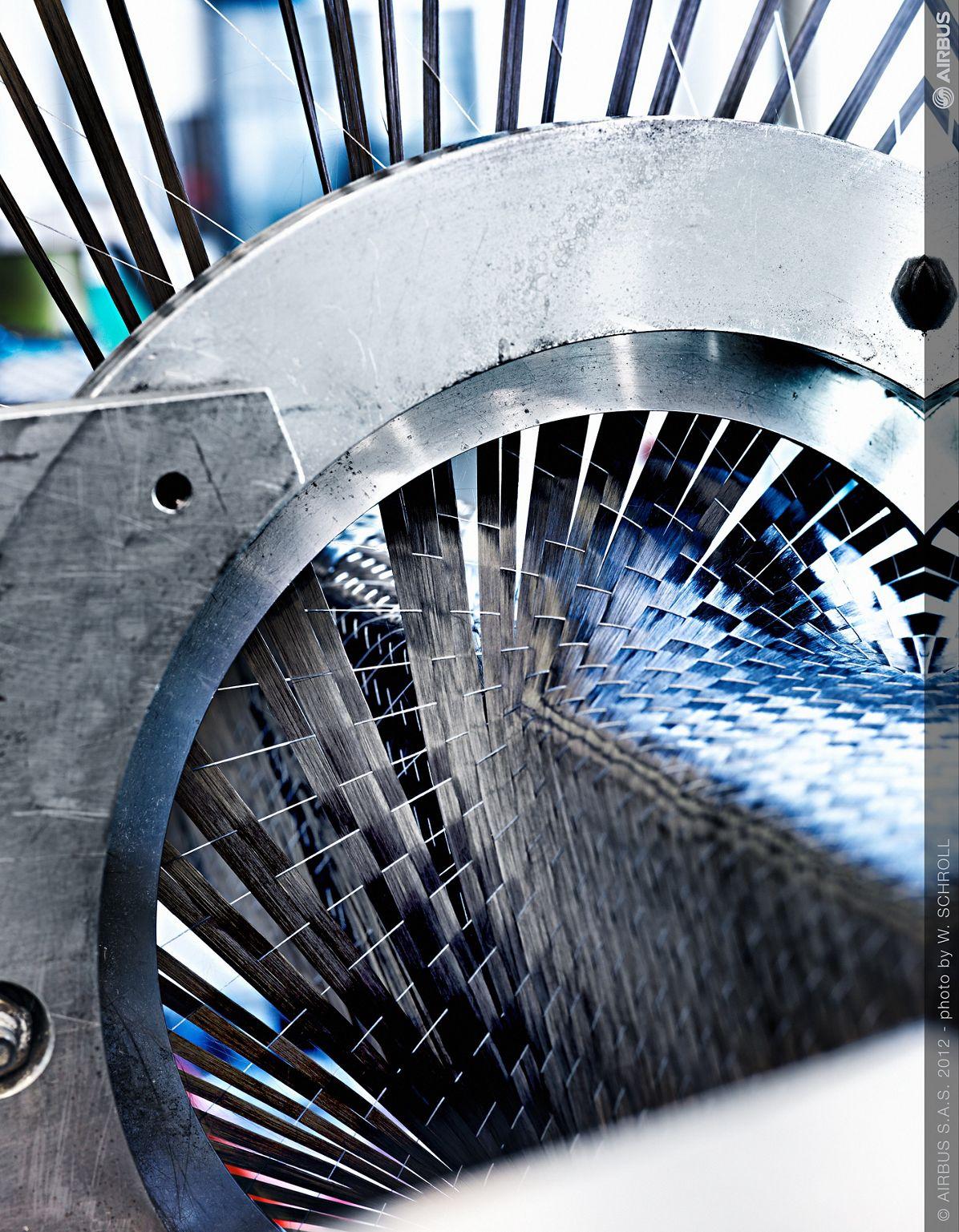 Airbus_Carbon fibre weaving 2