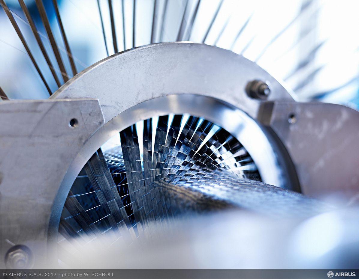 Airbus_Carbon fibre weaving 3