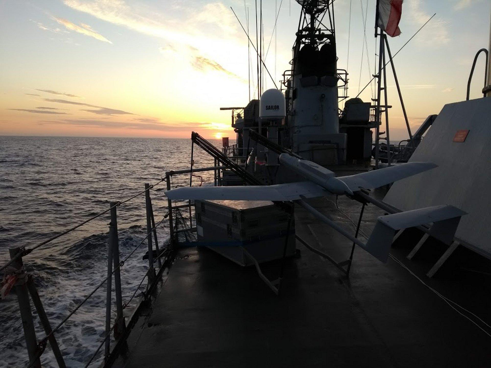这种UAS适用于海军舰艇的操作,可以执行需要A + 50公里范围的任务,并需要三小时的耐力。它可以在船舶之前进行多种任务,包括智力,监控和侦察(ISR),目标跟踪和通知,搜救和反盗版行动。
